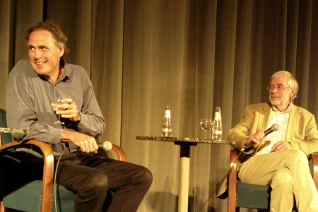 Herbert Renz-Polster (li) und Gerald Hüther bei der Buchvorstellung 24.9.13 Berlin, Foto: Andreas Schönefeld