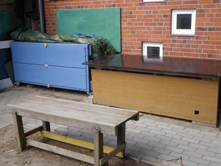 Eine kleine Werkzeugbank, ein Werktisch, der Werkzeugschrank, Foto: Andreas Schönefeld